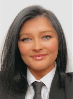 <b>Kelly Carr</b><br>Funeral Director